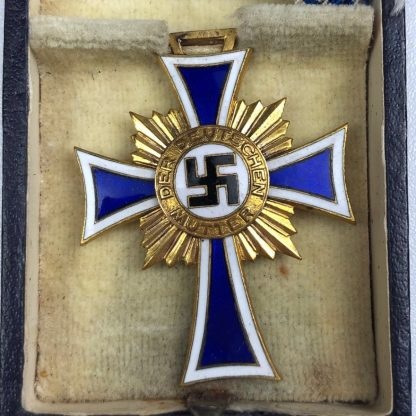 Original WWII Mothers cross in gold with box
