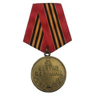 Original WWII Russian 'Capture of Berlin' medal Originele WWII Russische 'Slag om Berlijn' medaille