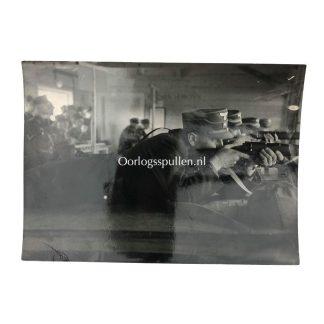 Original WWII German PK-Foto 'NSFK beim Leistungsschiessen'