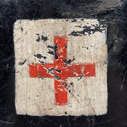 Original WWII Dutch 'Luchtbeschermingsdienst' medical personnel helmet Originele WWII Nederlandse Luchtbeschermingsdienst helm (Medisch)