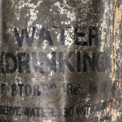 Original WWII British RAF drinking wat Origineel WWII Brits RAF drink water blikjer