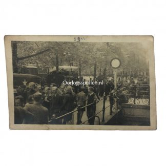 Original WWII Dutch liberation photo Bilthoven (Netherlands) Originele WWII Nederlandse bevrijdingsfoto 'De Bilt'
