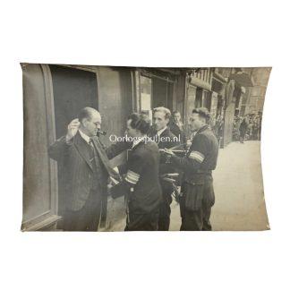 Original WWII Dutch press photo 'Binnenlandse Strijdkrachten' 1945