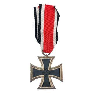 Original WWII German Iron Cross 2nd Class 'Maker 63' - Croix de fer allemande originale de la 2e guerre mondiale 'Maker 63'