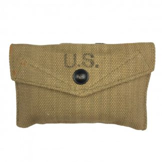 Original WWII US first aid pouch with package (British made)