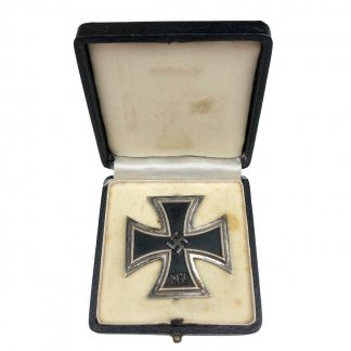 Original WWII German Iron Cross 1st class in box - L55