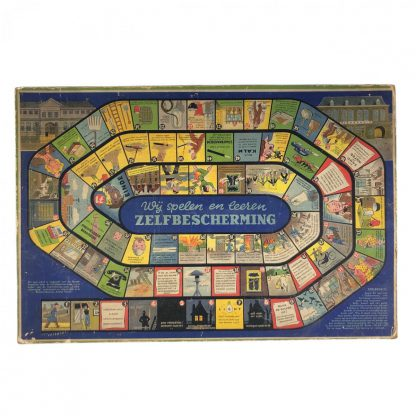 Original WWII Dutch 'Luchtbeschermingsdienst' board game