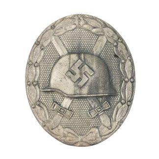 Original WWII German 'Verwundeten abzeichen im silber' - maker 65