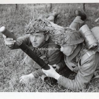 Original WWII British press photo 'Norwegian soldiers in the British army'