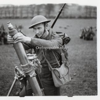 Original WWII British press photo 'Norwegian soldier in the British army'