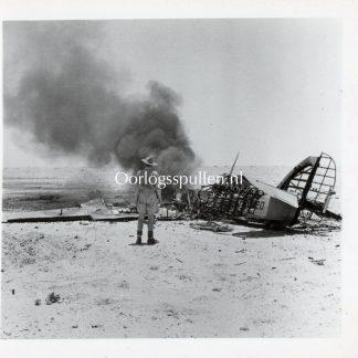 Original WWII British press photo 'British soldier with crashed airplane'