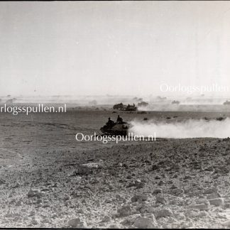 Original WWII British photo 'Tanks on the battlefield in Libya'
