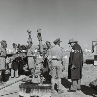Original WWII British photo 'Churchill visits a gun side in the Dessert' 1942