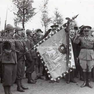 Original WWII British photo 'French troops with Czech officer and flag and BEF' 1939