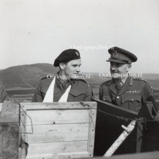 Original WWII British photo 'Major General H.M. Gale speaks to Polish soldier' 1942