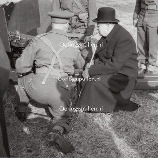 Original WWII British photo 'Churchill inspects a field gun'