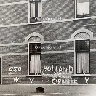 Original WWII Dutch NSB photo – Resistance writing on wall