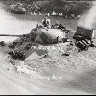 Original WWII British photo - Sherman tanks for the Volturno (Italy)